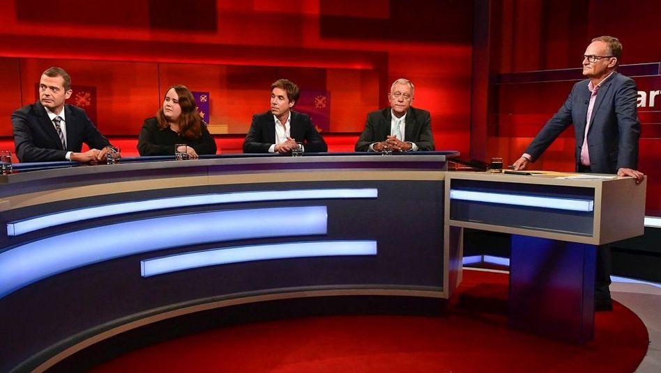 """Moderator Plasberg (r.) mit seinen Gästen: """"Europa hat gewählt: Wer ist bei uns angezählt?"""""""