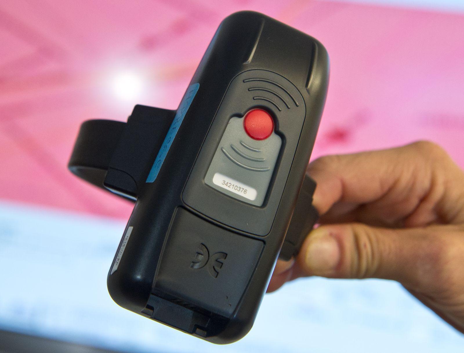 Elektronische Fußfessel überwacht Straftäter