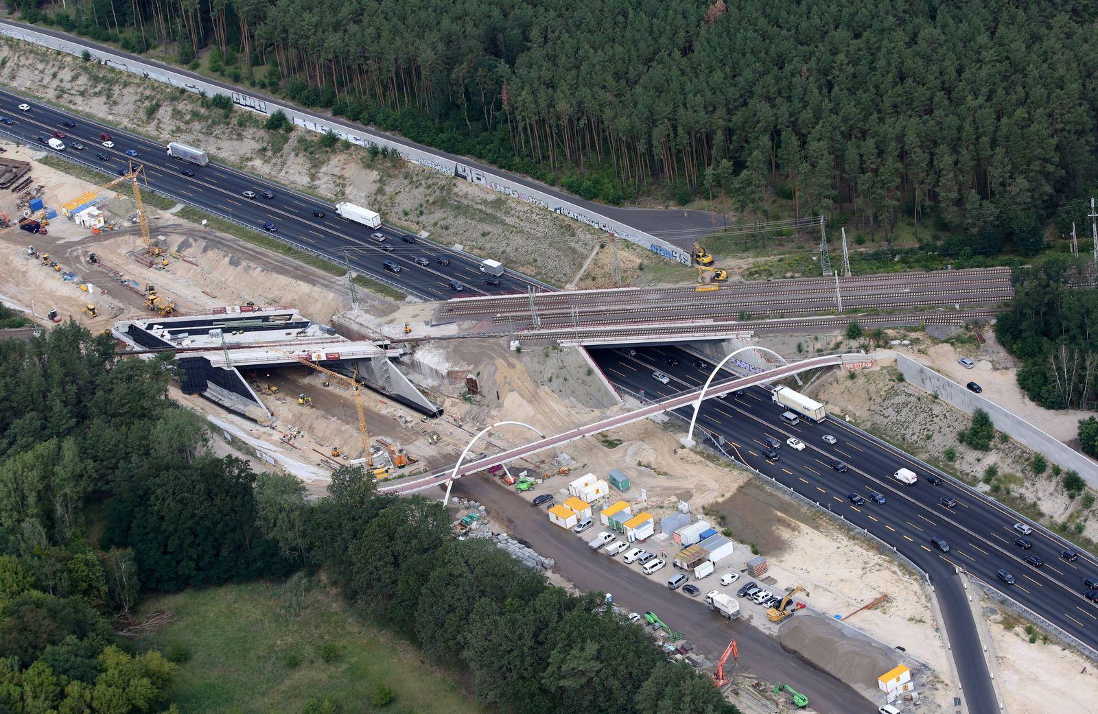 EINMALIGE VERWENDUNG Schwarze Null / Strassen-Sanierung / Autobahn-Sanierung / Investition / Infrastruktur