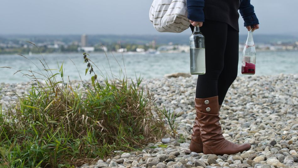 Glasflaschen am Bodenseeufer in Konstanz: Bald wieder am Ufer erlaubt