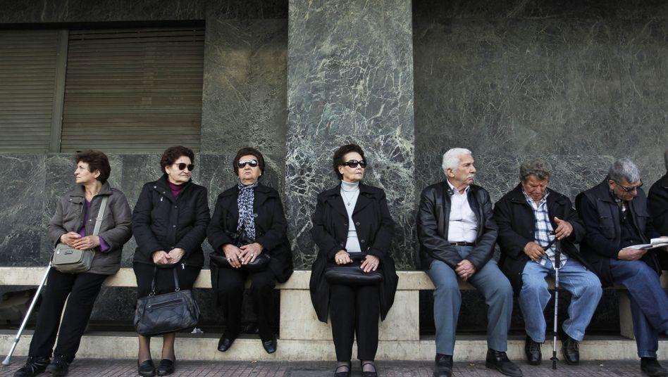 Griechische Rentner während eines Protests: Alle Ruheständler mussten sich melden