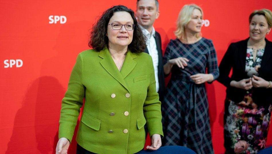 Parteichefin Nahles, SPD-Politiker Dulig, Schwesig, Giffey