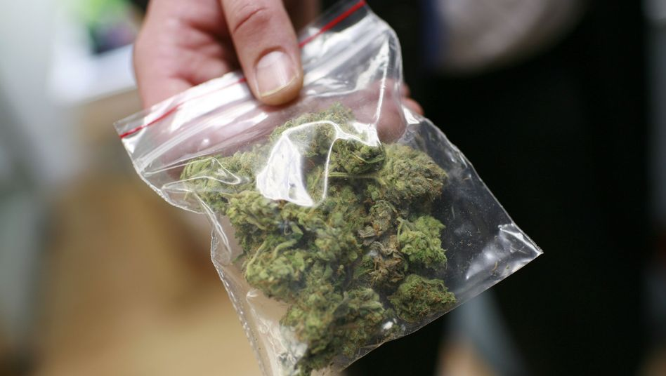 It could soon be legal to posses up to 15 grams of cannabis in Berlin -- a street value of more than €120.