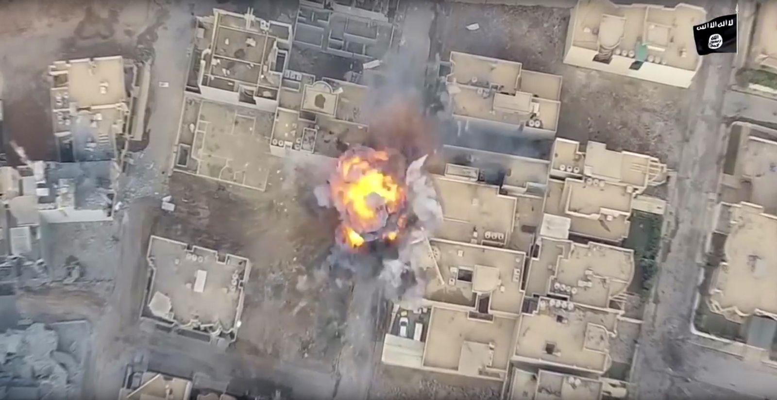 EINMALIGE VERWENDUNG ISIS / IS / Islamischer Staat / Granate / Bombe