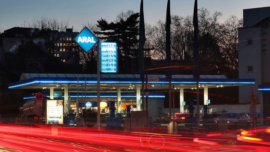 Tankstelle in Köln: Schmerzgrenze der Autofahrer erreicht