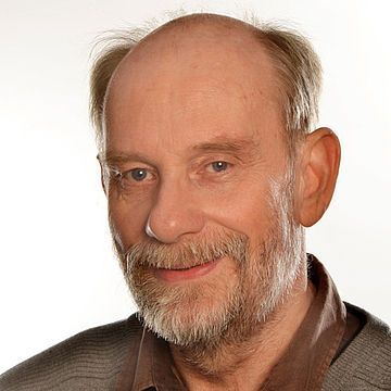 Jürgen Thamm, 65 Jahre, angestellter Lehrer an einem Gymnasium in Hoyerswerda, Sachsen