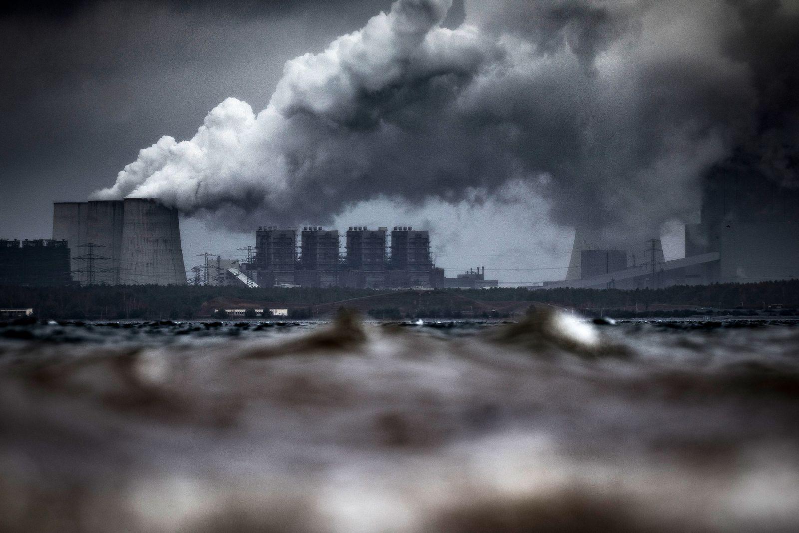 EINMALIGE VERWENDUNG Luftverschmutzung Europa / Symbol