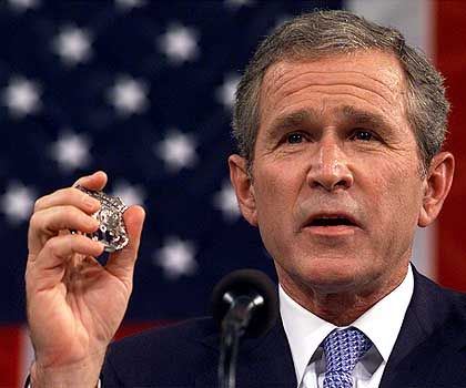 """Bushs Aufforderung an die US-Truppe: """"Seid bereit"""""""