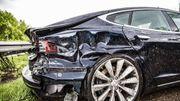 Teslas krachen in Krankenwagen – US-Behörde ermittelt