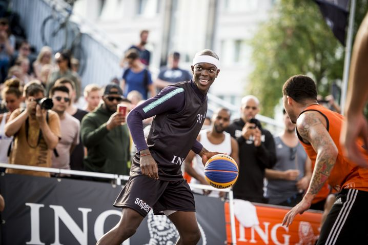 NBA-Profi Dennis Schröder am 18. August in Hamburg
