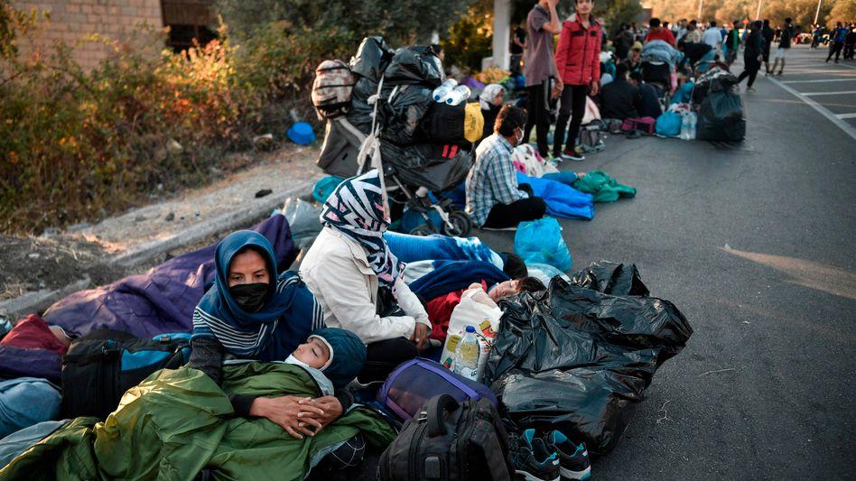 Ehemalige Bewohner des Lagers Moria: Die Nacht auf der Straße verbracht