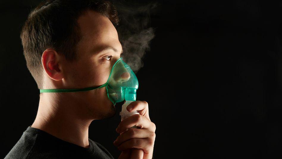 Patient mit Atemwegsbeschwerden (Symbolbild)