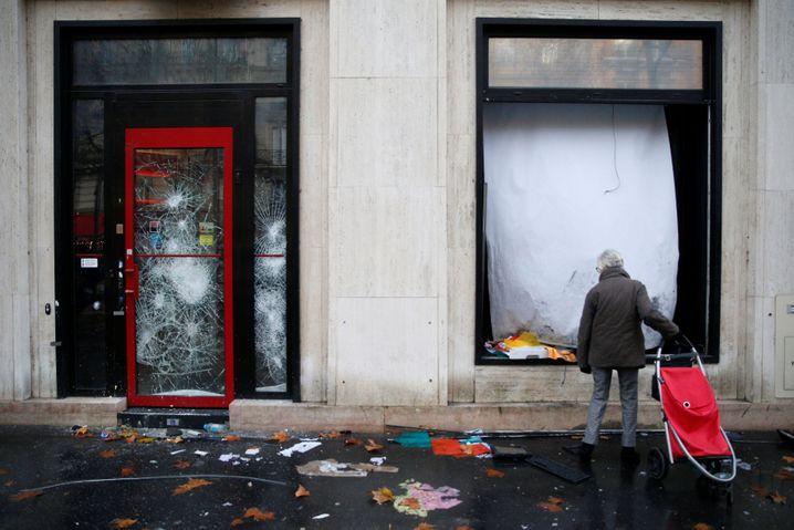 Demolierte Bank am 2. Dezember