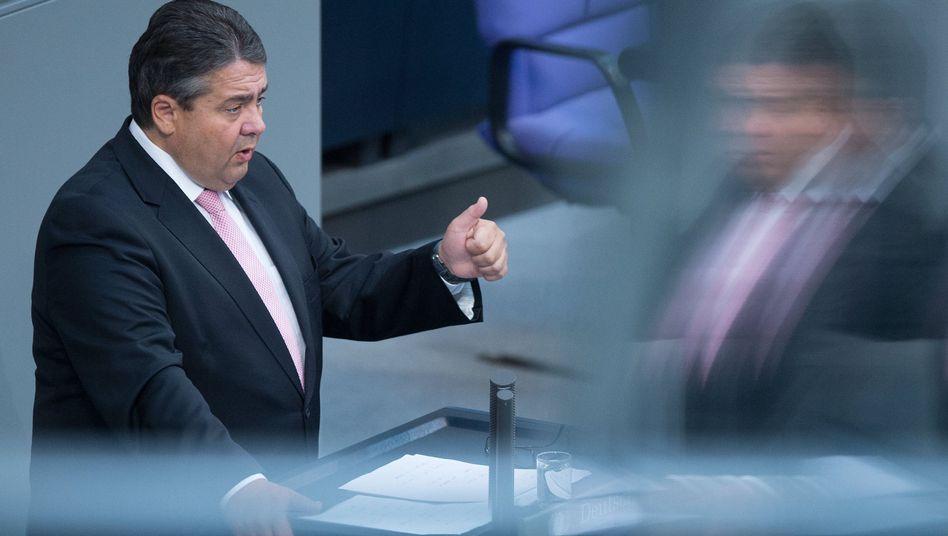 Minister Gabriel (Archivbild): Schwierige Reformen