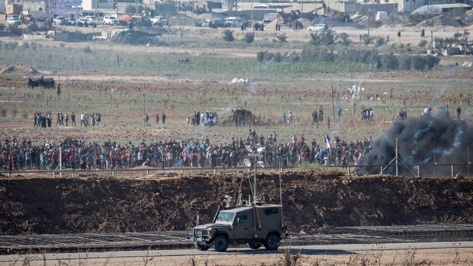 Palästinensische Demonstranten protestierten am Freitag an der Gaza-Grenze