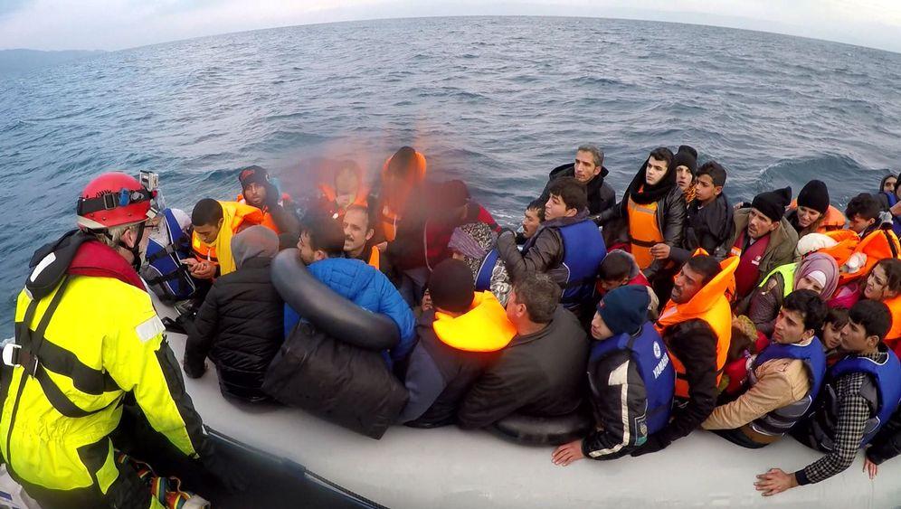 Griechenland: Hilfe für Flüchtlinge in Seenot