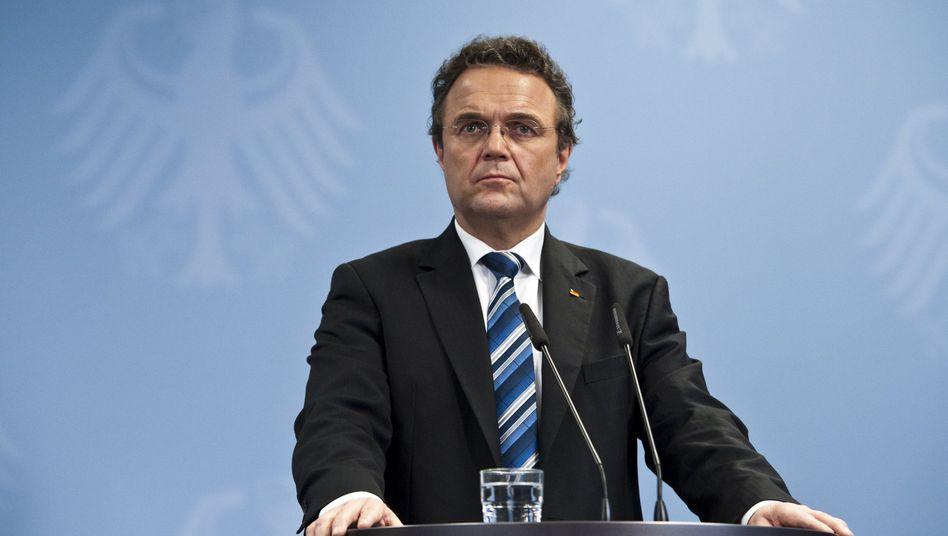 Innenminister Friedrich: Verteidigt Beobachtung von Linkspartei-Politikern