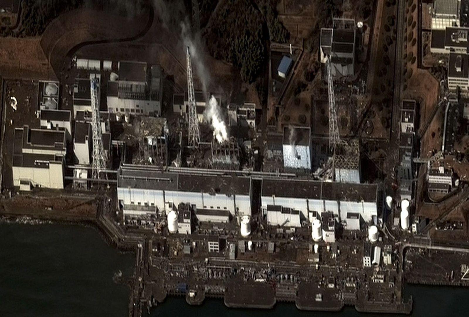 NICHT VERWENDEN fukushima nacht satellitenbild