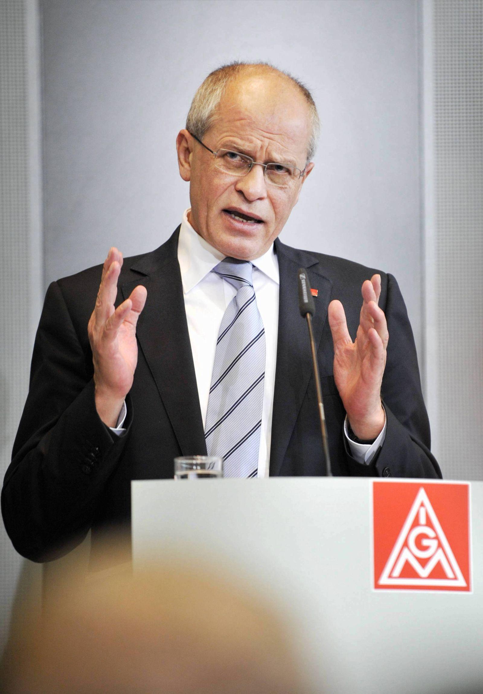 NICHT VERWENDEN Huber fordert von Magna Einhaltung der Arbeitsplatzzusagen