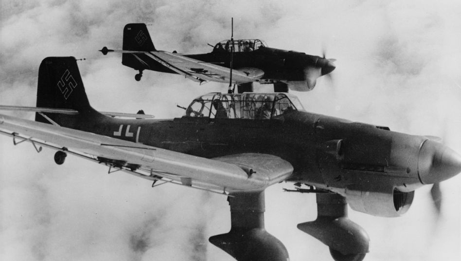 Junkers Ju 87 Stuka divebombers in action in December 1940.