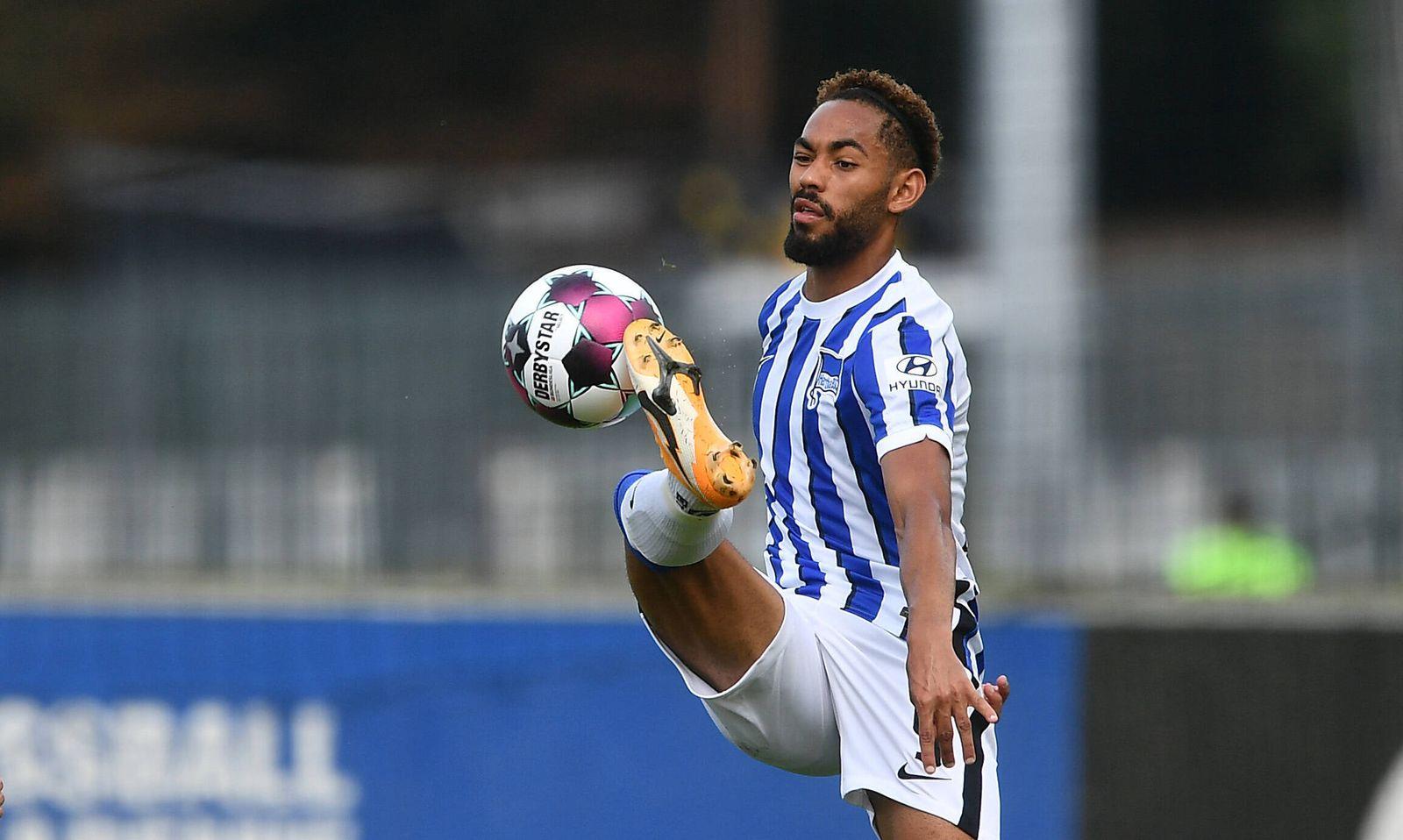 Matheus Cunha (Hertha BSC) am Ball Hertha BSC Berlin - Viktoria Köln Saison 2020/2021, Freundschaftsspiel, Vorbereitung