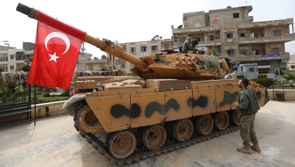 Türkischer Panzer in Afrin
