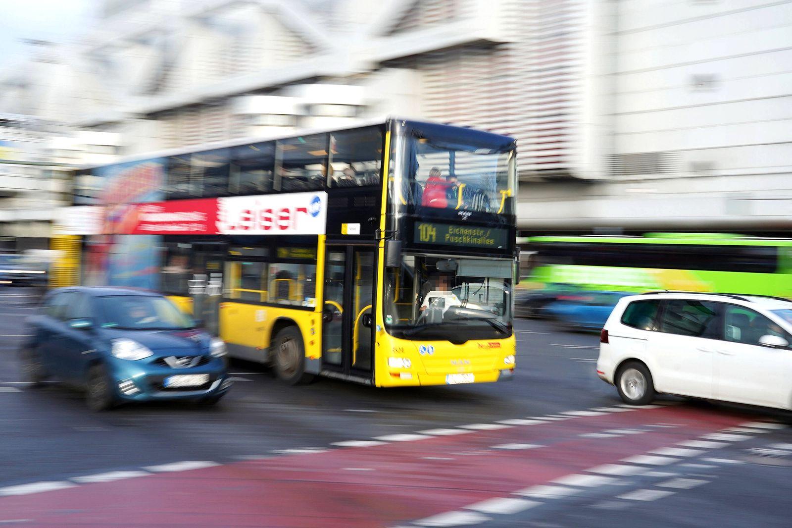 19.02.2020,Berlin,Deutschland,GER,BVG Autobus 104, ICC *** 19 02 2020,Berlin,Germany,GER,BVG Bus 104, ICC