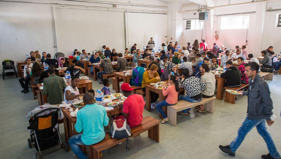 Erstaufnahmestelle für Asylbewerber in München: Hilfe aus dem Fluthilfefonds?