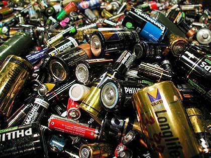 Altbatterien: Auch aus hundertmal Minus muss in der Sprache kein Plus werden