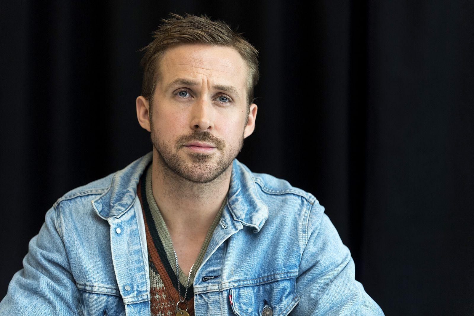 2418253 Ryan Gosling