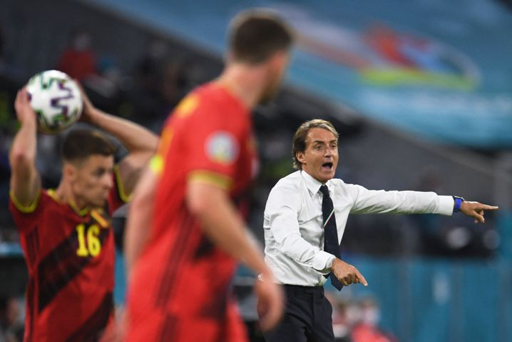 Belgien agiert, Roberto Mancini dirigiert