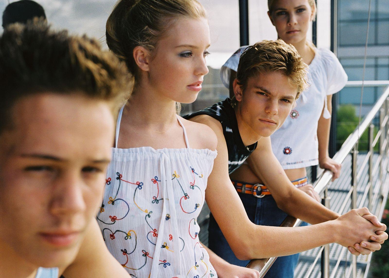 NICHT MEHR VERWENDEN! - Jugendliche / Teenager