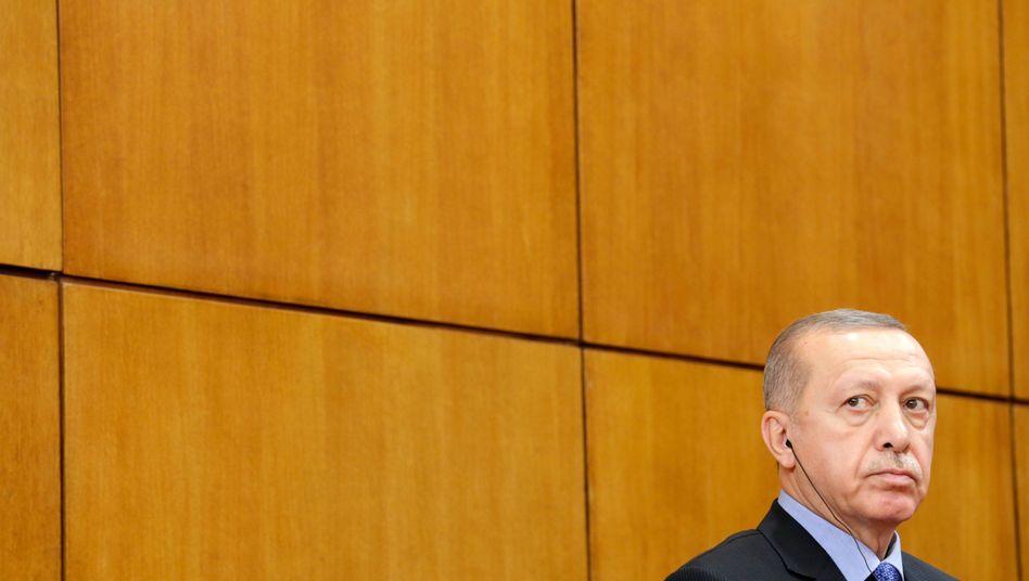 Recep Tayyip Erdogan: F??r seine Milit??roffensive in Nordsyrien steht der t??rkische Pr??sident in der Kritik