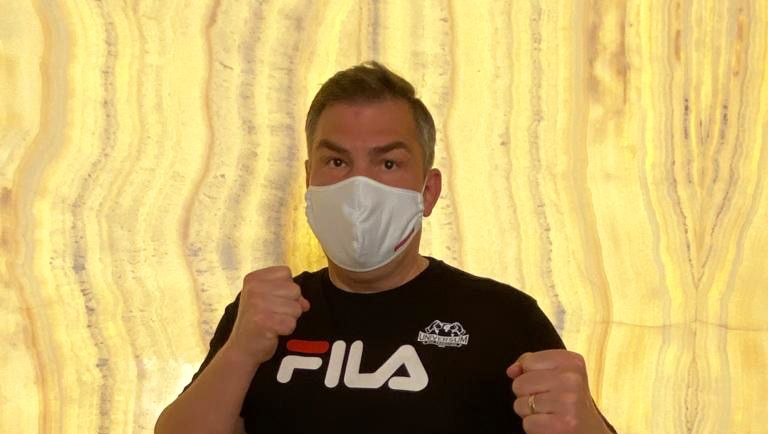 Ex-Weltmeister Michalczewski: Corona-Schutz oder doch eine Anspielung auf Henry Maske?