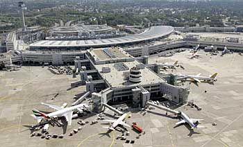 Flughafen Düsseldorf: Volltanken in Deutschland bisher steuerfrei