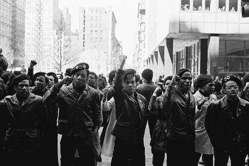 """Radical chic"": Black-Panther-Demo 1969 in New York"