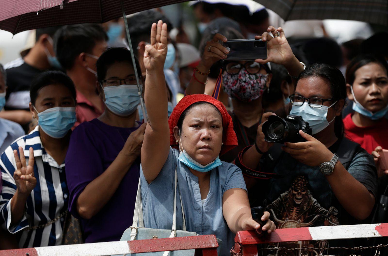 Myanmar set to release hundreds of prisoners