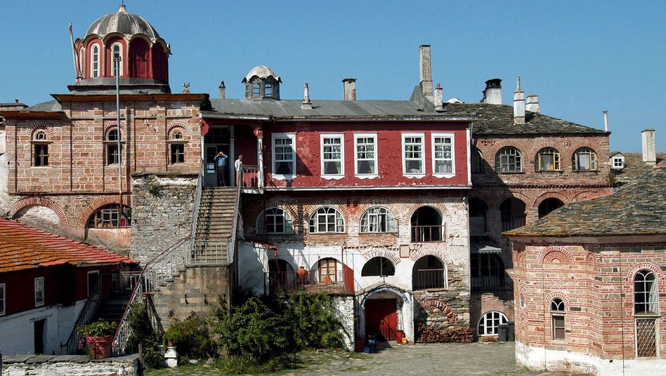 Das Vatopedi-Kloster auf dem Berg Athos: Polizeieinsatz gegen den Abt