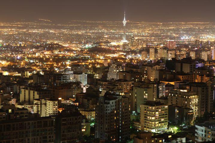 Teheran bei Nacht: Es wird noch dauern, bis Veränderungen spürbar sind