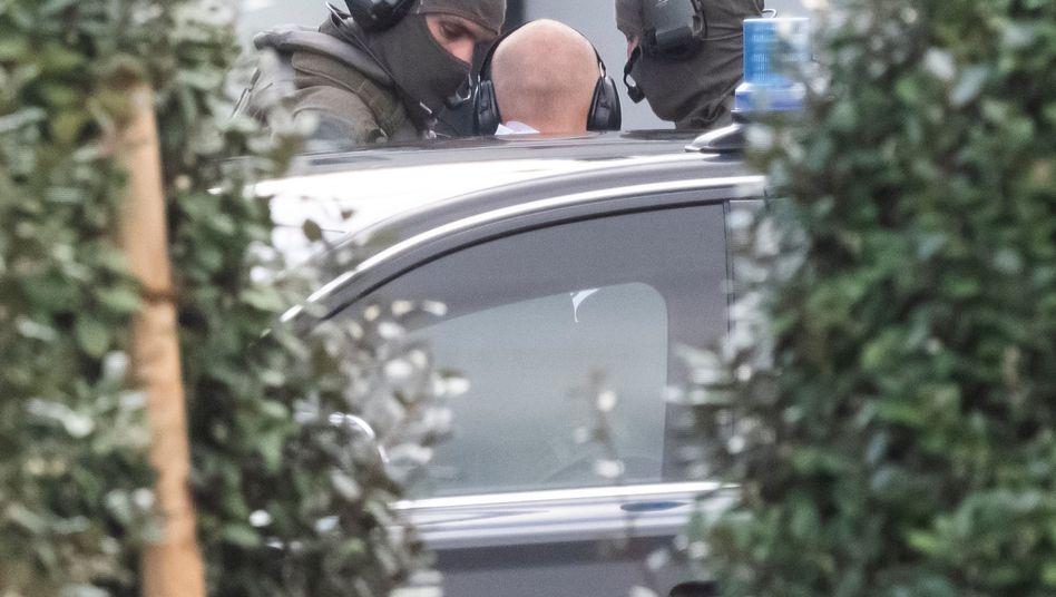 Halle-Attentäter mit Spezialkräften in Karlsruhe (Archiv): Er versuchte, in eine Synagoge einzudringen