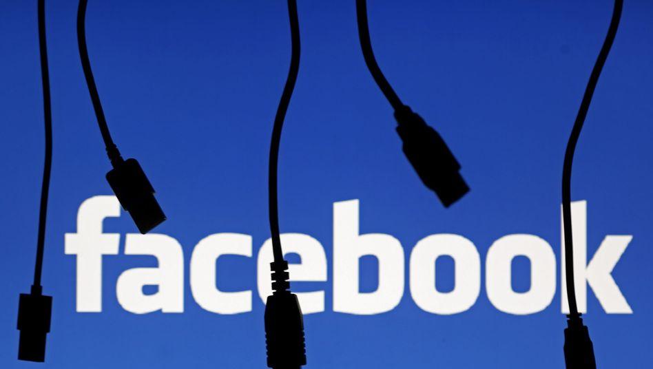 Kabel vor Facebook-Logo