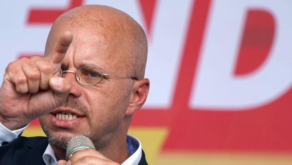 "Brandenburgs AfD-Chef Andreas Kalbitz: Zentrale Figur des Rechtsaußen-Netzwerks ""Flügel"""