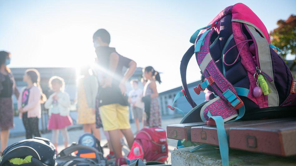Mit Ungewissheit ins neue Schuljahr – und mit großer Wahrscheinlichkeit ohne mobile Luftfilter (Symbolbild)