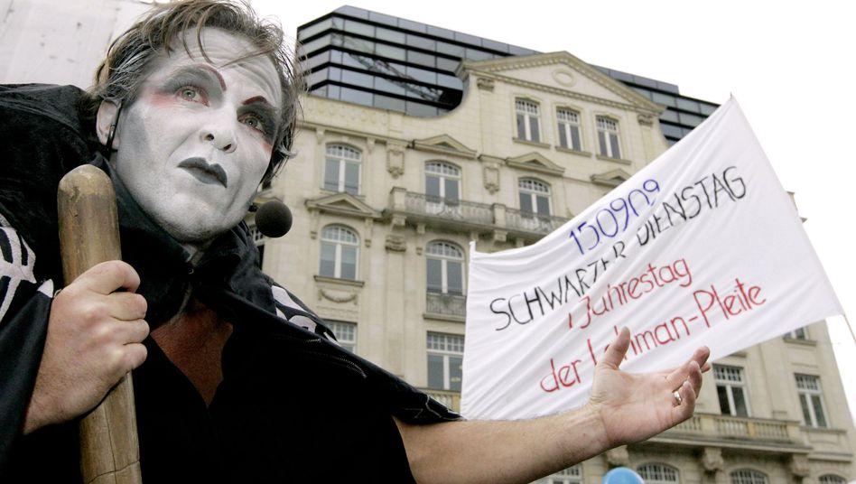 Demonstration von Lehman-Opfern in Frankfurt: Millionen für Firmenberater und Anwälte