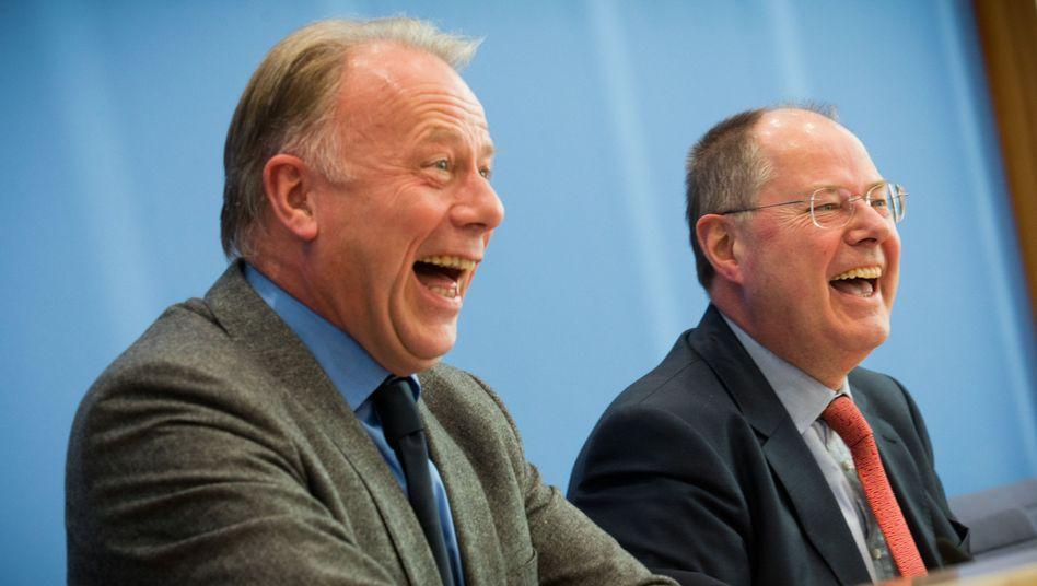 SPD-Kanzlerkandidat Steinbrück (rechts), Grünen-Fraktionschef Trittin: Sie wollen mehr