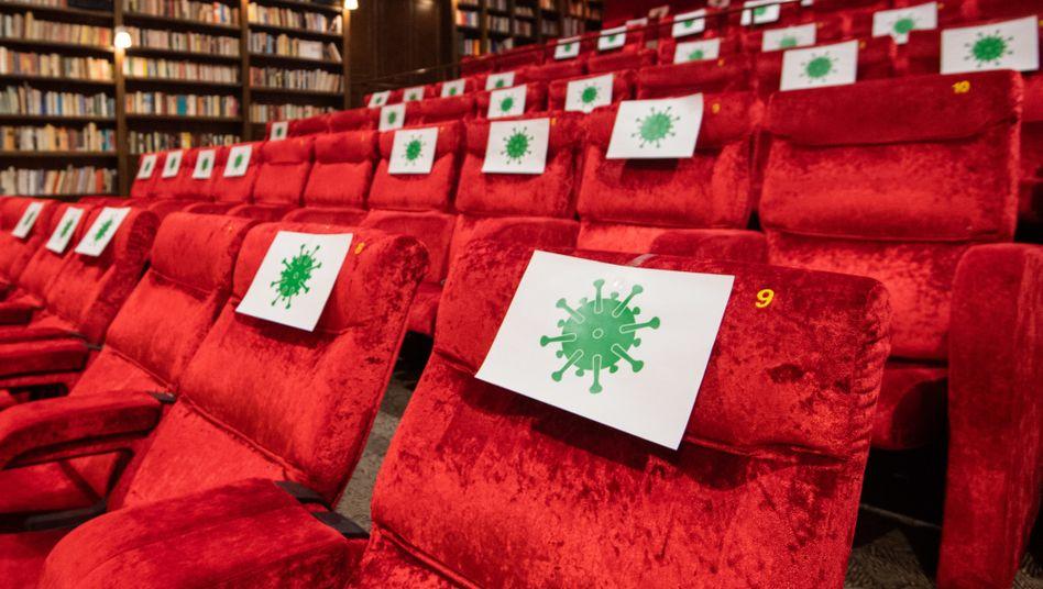 """Kino in Hannover mit abgesperrten Sitzen: """"Es geht um die Existenz für mehr als 1,5 Millionen Menschen"""""""