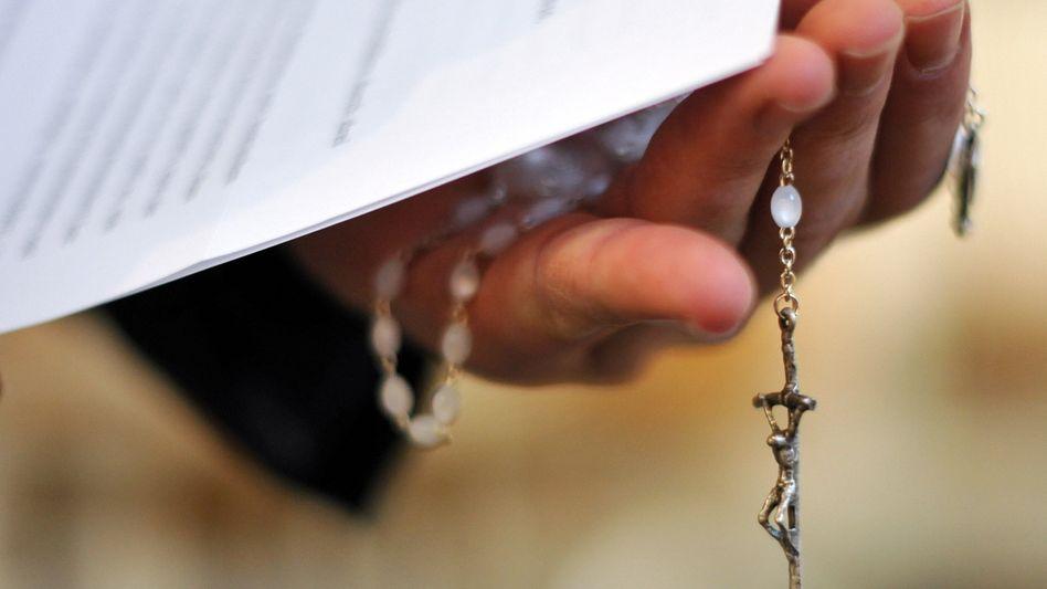 Der Rosenkranz - Nun gibt es Missbrauchsvorwürfe gegen die Regensburger Domspatzen