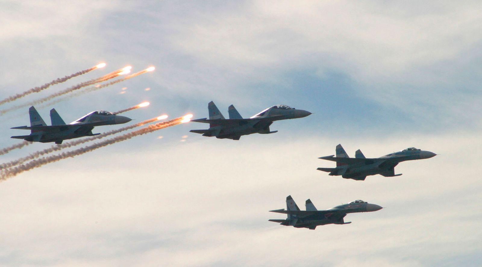 Russland Su-27