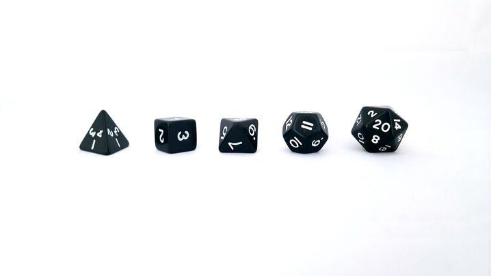Spielwürfel aus den fünf Platonischen Körpern