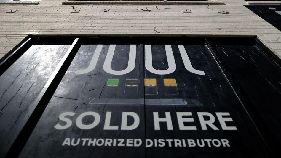 Juul stoppte in den USA bereits die Werbung in sozialen Medien - nun verschärft das Unternehmen die Maßnahme